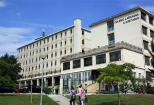 Resultado de imagen de colegio mayor larraona pamplona